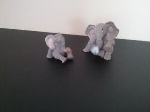 PAIR OF TUSKERS ELEPHANTS