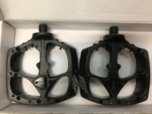Specialized Boomslang Pedals (Like New)