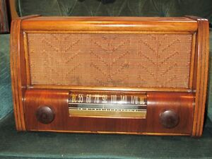Antique Westinghouse Tube Radio Belleville Belleville Area image 1