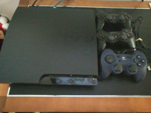 PS3 150GB + 3 controllers + 1 remote + 11 games