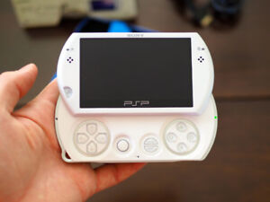 PSP Go - white, 16 GB, complete with box and contents