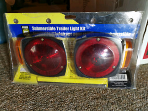 Submersible Trailer Light Kit - new in package