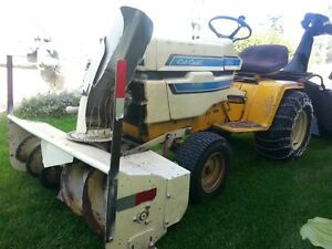 1979 International Cub Cadet Garden Tractor - Snowblower and Law