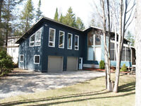 Stylish Contemporary Home or Cottage - McIntee Sauble Beach