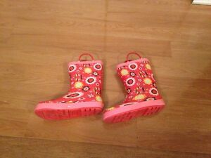 kids rain boots Junior size 2 West Island Greater Montréal image 2