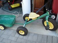 JOHN DEERE ALL METAL TRIKE AND TRAILER ..INFLATABLE TIRES