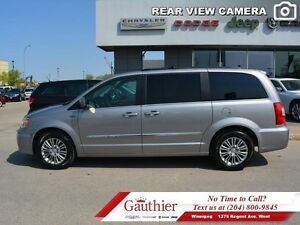 2016 Chrysler Town  Country Touring w/Leather *LOCAL*