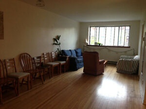 Sunny 2 br in the Mile-End for June 1st