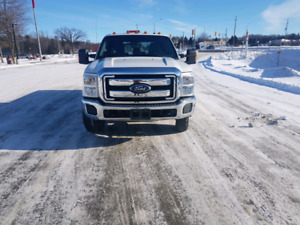 2011 FORD F350 XLT DIESEL DUALLY LOW KMS