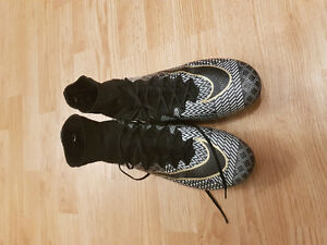 Soccer shoes (superfly)