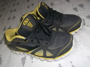 Running shoes size 4 for sale