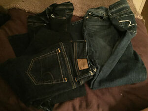American Eagle Size 2 Regular Jeans