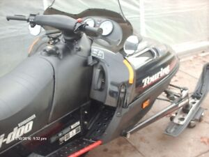2000 LC 500 cc ski-doo excelent condtion Low Miles very clean