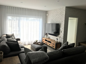 Townhouse Dorval, 3 Bedrooms 2 bathrooms Large Terrace & Garage