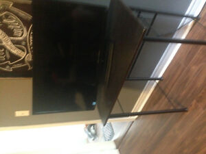 Toshiba 32 inch flat screen and stand