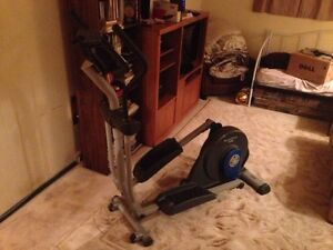 Elyptical Workout Machine (Nordic Track 130) London Ontario image 1