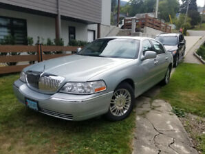2007 Lincoln Town Car Sedan ( This Vehicle Has Been Sold  )