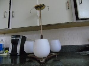 Free ceiling fixture