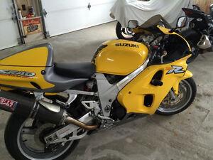 Suzuki TL1000R 1999 - IMPECCABLE -