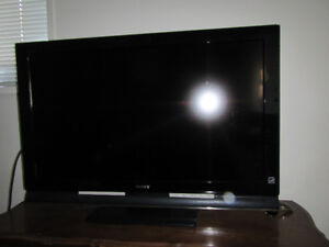 TV Television Sony Bravia 40inch LCD. Works perfect. Has remote.