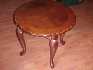 BOMBAY COMPANY ROUND OCCASIONAL TABLE