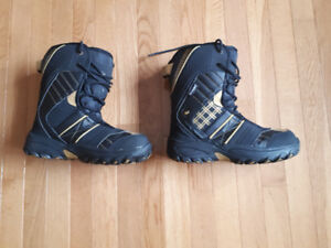 FOR SALE: WOMEN'S SNOWBOARD BOOTS