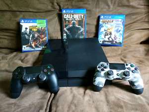 Ps4 w/ 3 games and 2 controllers