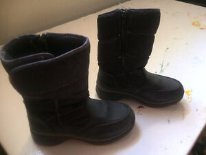Cougar Winter Boots, size 11