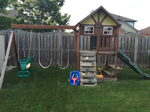 Kids out door play structure
