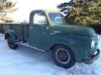 1951 dodge truck 3/4 ton c/w hoist runs and drives org 60,000 mi