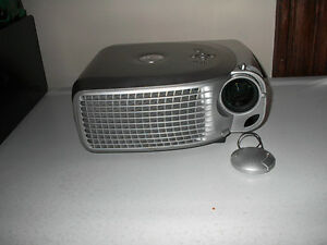 Dell 1201 Projector