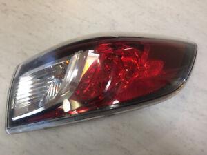 Lumière arrière passager Mazda3 Sedan (4portes) 2010-2013 OEM