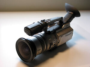 Sony 3CCD VX2000 Camcorder, Fisheye & more. Excellent condition