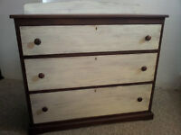 Vintage/Antique Solid Wood Shabby Chic Chest of Drawers/Dresser