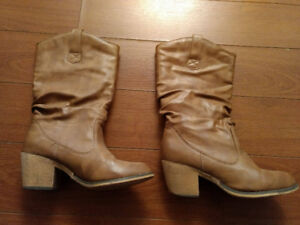 Women's size 6 Cowgirl boots