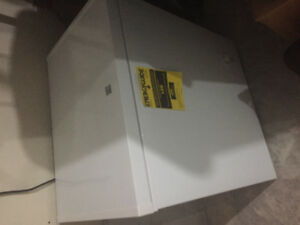 Kenmore chest freezer 5.1 cubic feet