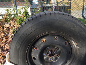 "15"" Hankook winter  tires on rims Kingston Kingston Area image 1"