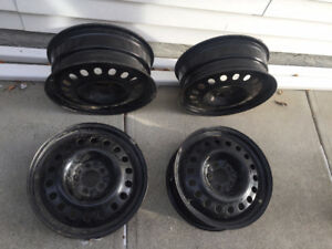 18 inch winter rims off of Acura - good condition