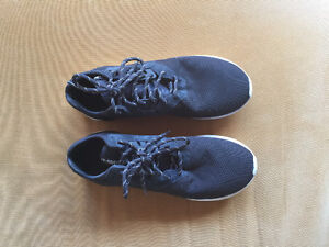 Adidas Tubular size 10, Used only a few times