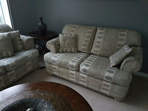 Nice couches Windsor Region Ontario image 2
