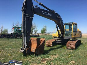 Reduced!! Volvo 210 excavator for sale.