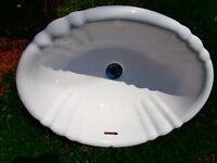 1 ceramic SINK WHITE 19X16 ASKING $35  1 ceramic WHITE SINK 21X1