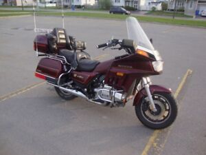 Honda Goldwing Interstate GL1200 fully loaded with Radio