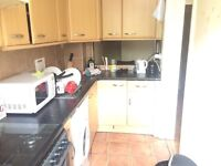 Nice double room available in Holloway just 175 pw no fees 2 weeks deposit