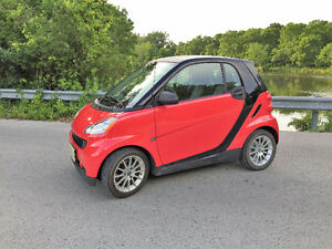 2011 Smart Fortwo Black Coupe (2 door)