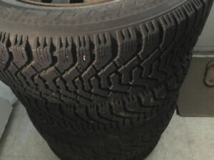 2 Winter tires with rims P205 65 R15