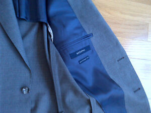 Short and skinny? Suit Supply Suit Grey Kitchener / Waterloo Kitchener Area image 5