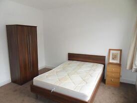 W13 EALING - 3 BEDROOM 1 ST FLOOR FLAT TO LET