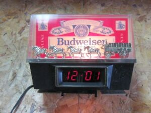 Vintage Bar Style,Budweiser Clock,with gold Clysdales