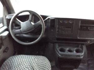 2003 GMC Savana 2500 V8  Gatineau Ottawa / Gatineau Area image 5